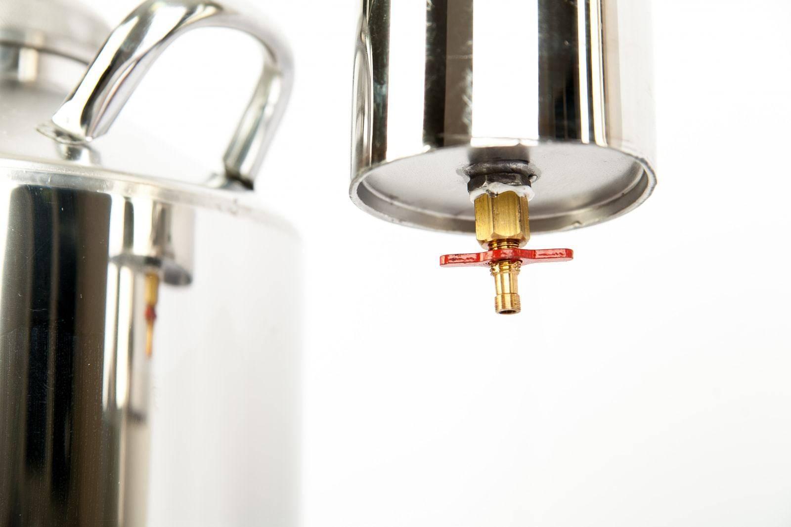 Переходник на кран для самогонного аппарата: функции, установка, выбор
