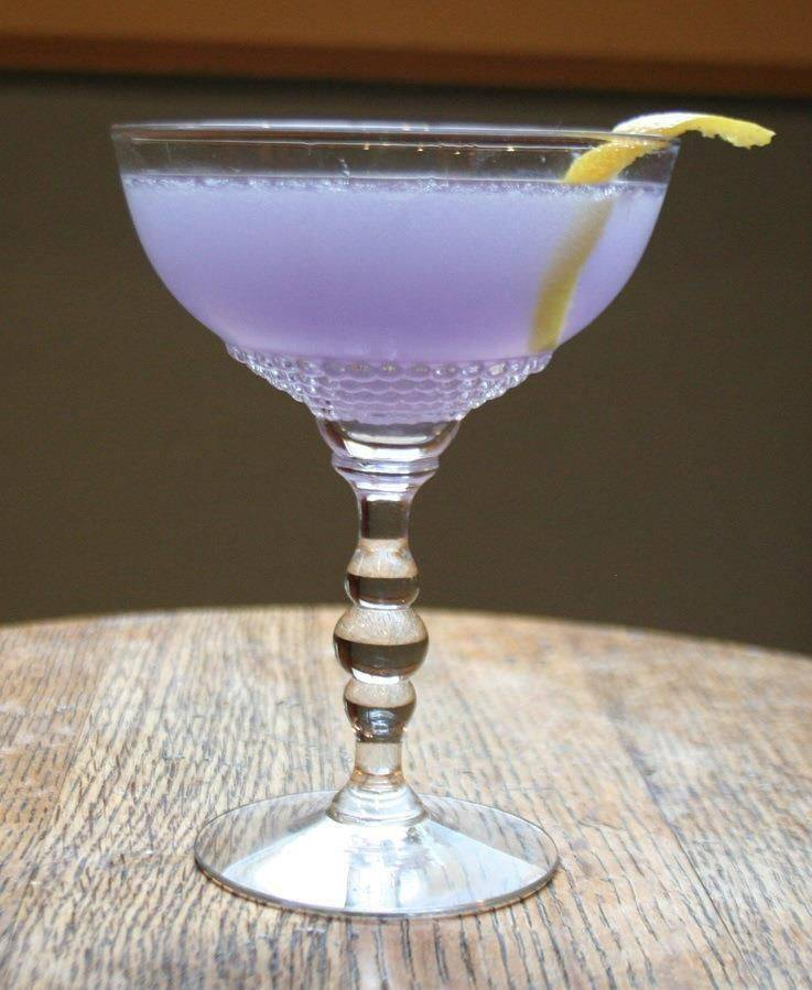 Коктейль авиация (aviation) – эксцентричный gin sour