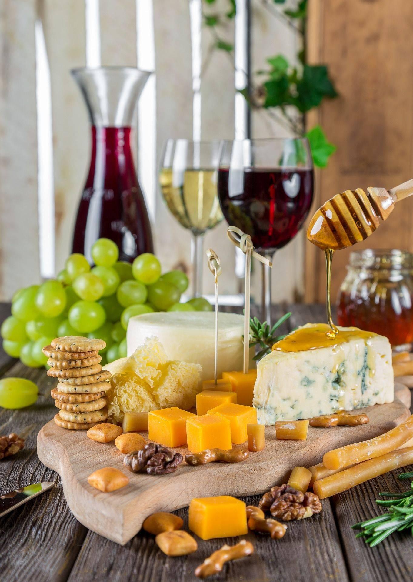 Популярные закуски и еда под коньяк и крепкие напитки