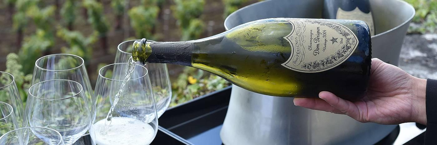 Легендарный дом периньон — самое известное шампанское в мире