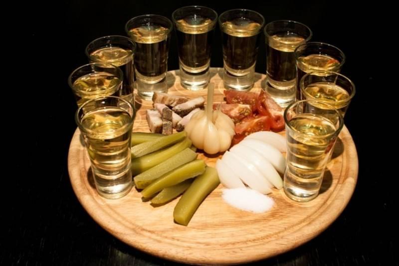 Медовуха как пить. правила пития: как пьют и чем закусывают медовуху