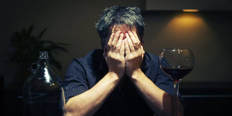 Скрытый алкоголизм: 8 признаков проблем с алкоголем ⛳️ алко профи