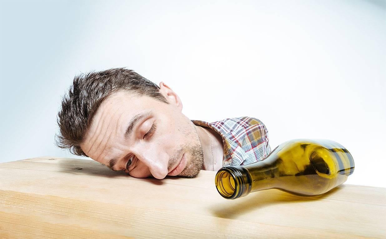 Феназепам и алкоголь - опасность употребления, симптоматика отравления и неотложная помощь