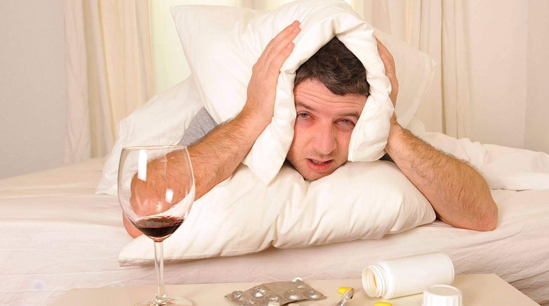 Почему тошнит утром после алкоголя и как бороться с таким неприятным явлением