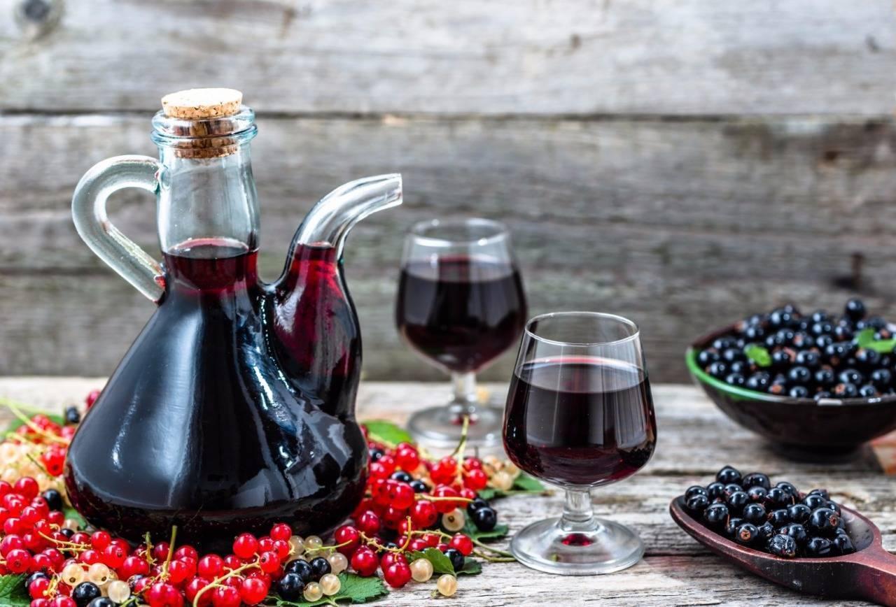 Наливка из смородины — рецепты на поварёнок.ру