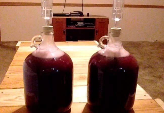 Вино из забродившего компота в домашних условиях
