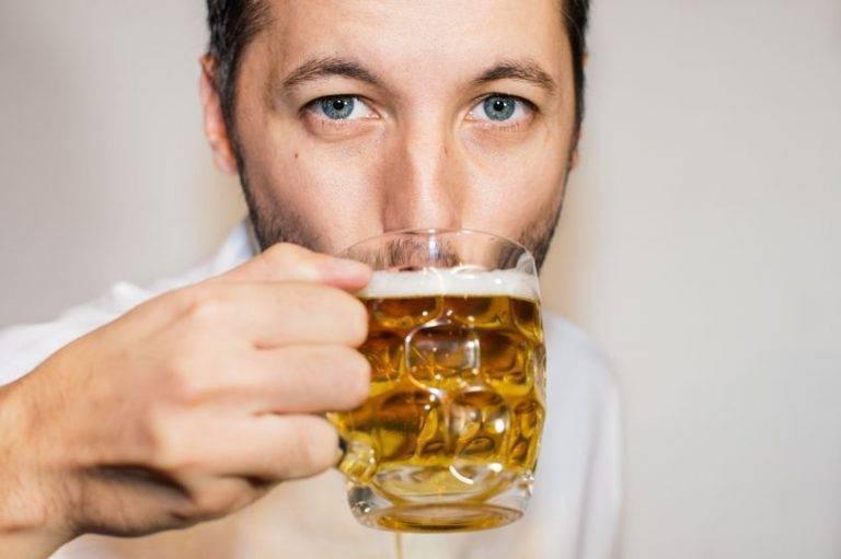 Польза и вред пива для мужчин, рекомендации по выбору, хранению и употреблению пенного напитка