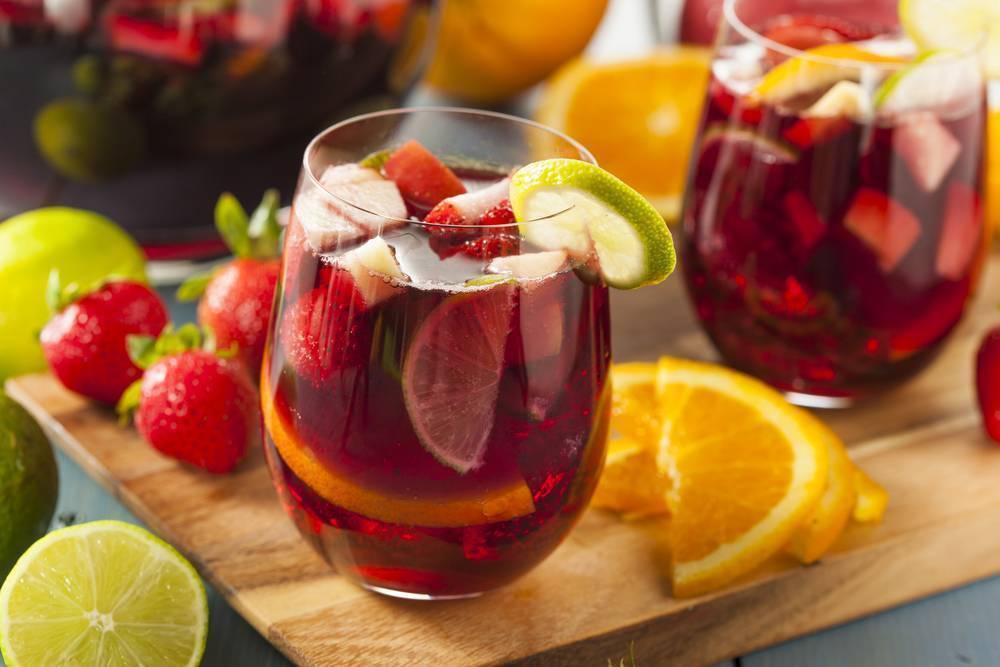 Вино из яблочного сока: как сделать из свежевыжатого в домашних условиях, можно ли приготовить без отжима, куда поставить бутыль, и простые рецепты из яблок, дрожжей