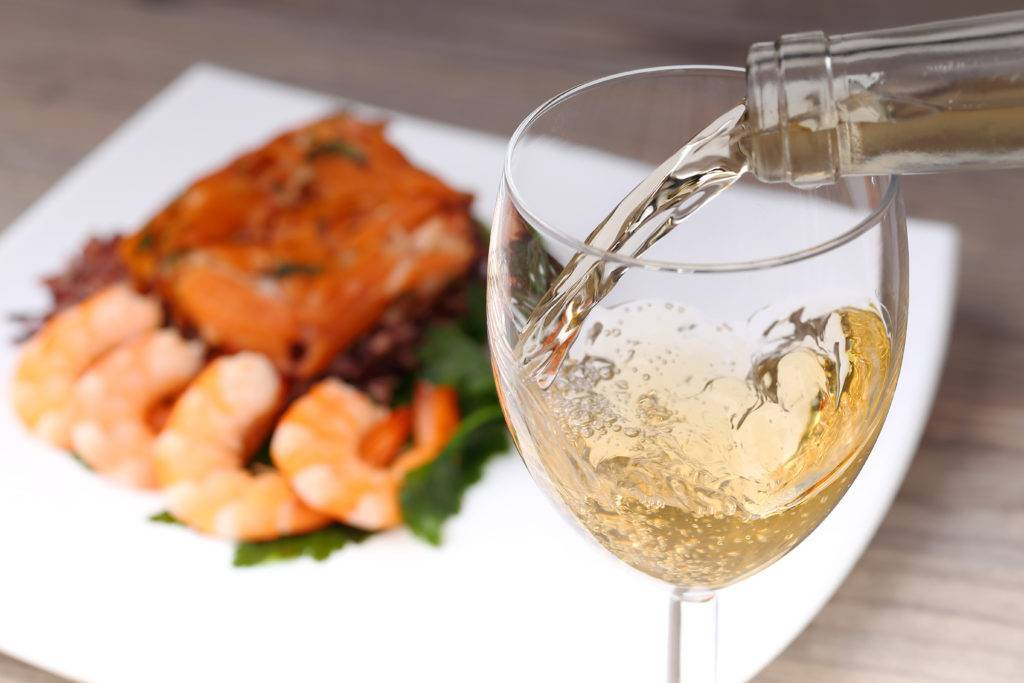 Вино к курице, какое вино — красное или белое лучше подходит к блюдам из мяса курицы