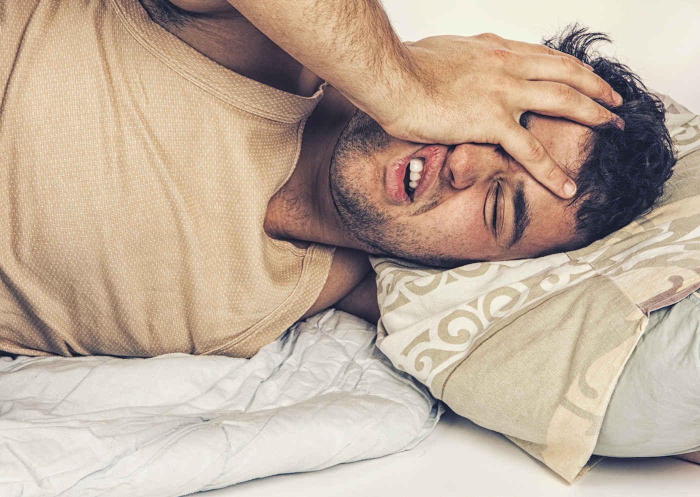 Как уснуть с похмелья: традиционные и нетрадиционные методы