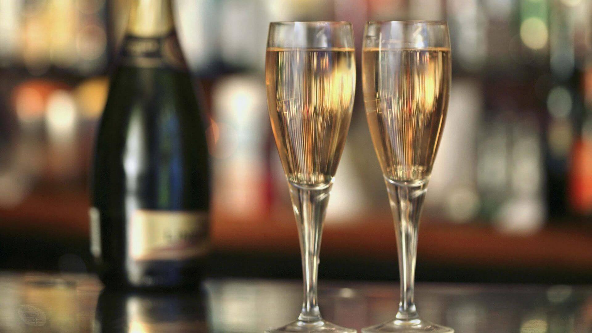 Игристые вина: шампанское, просекко, ламбруско идругие