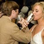 Когда и как пьют на брудершафт — значение традиции. что означает «выпить на брудершафт»