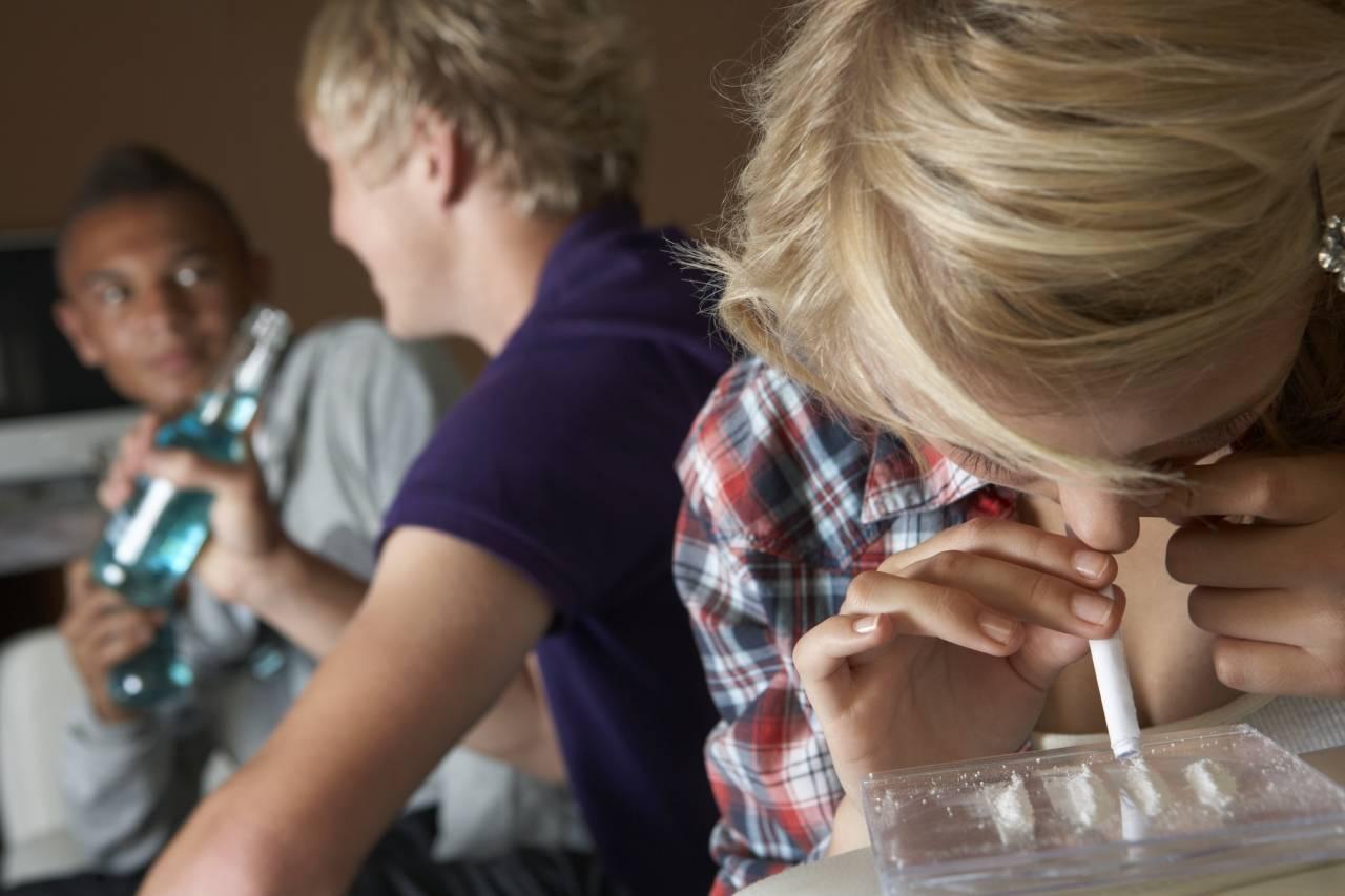 Как распознать в подростке наркомана?