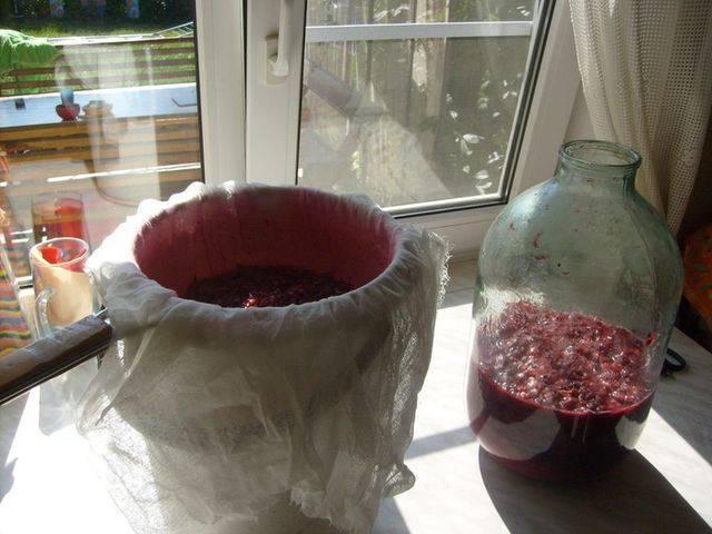 Вино из забродившего вишневого компота - пошаговый рецепт