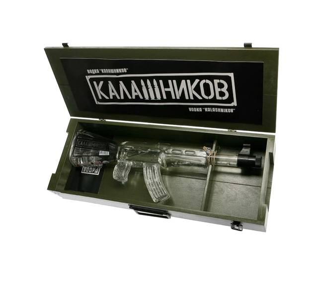 Водка в бутылке в виде автомата калашникова – где купить сувенир -только на мореалко.ру с мгновенной доставкой по москве! +7 (495) 518 6474