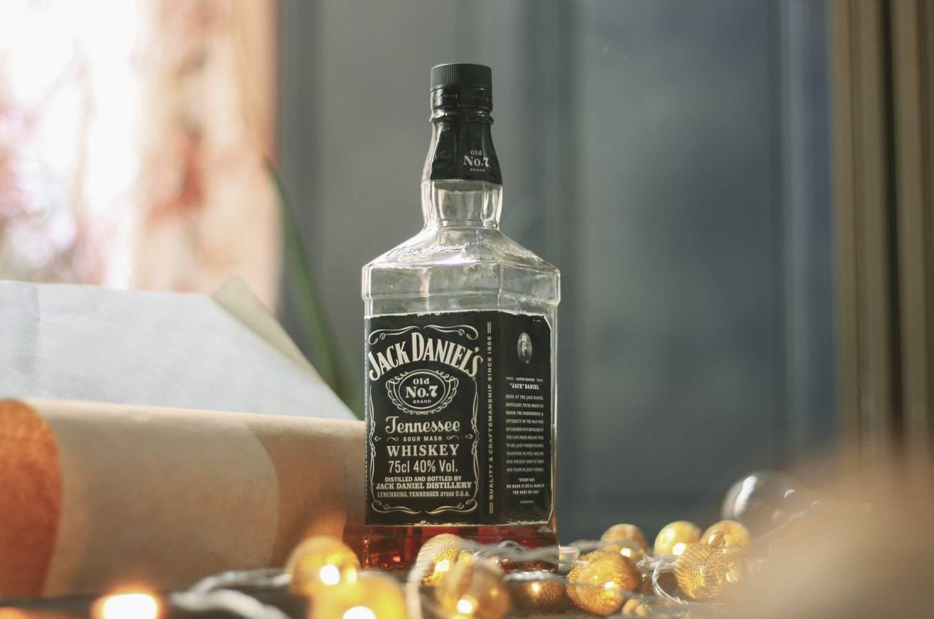 Виски: как правильно пить, чем закусывать и с чем смешивать