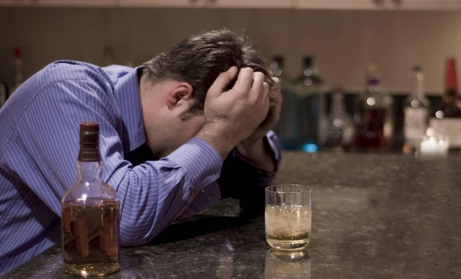 Латентный алкоголизм: как обнаружить проблему вовремя? кто такой латентный (тихий, скрытый) алкоголик, его симптомы и что делать.