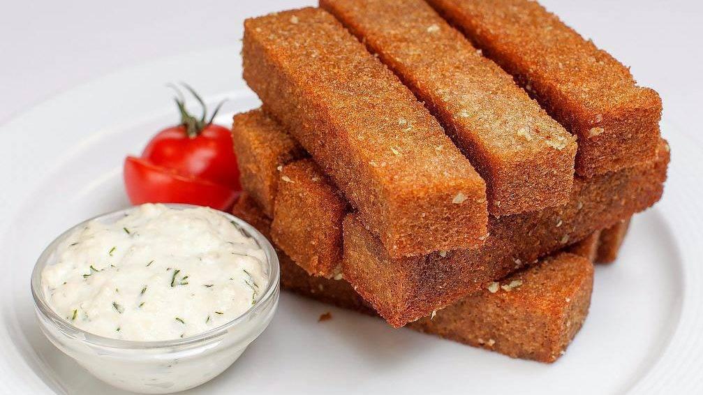 Как сделать гренки из хлеба на сковороде. гренки из белого, черного хлеба и батона по разным рецептам