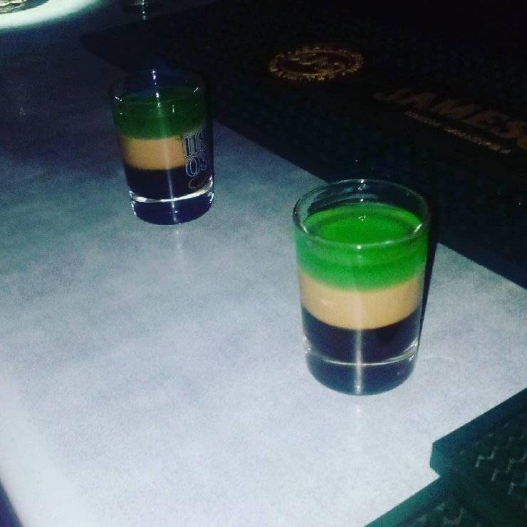 Как сделать коктейль б 52 в домашних условиях