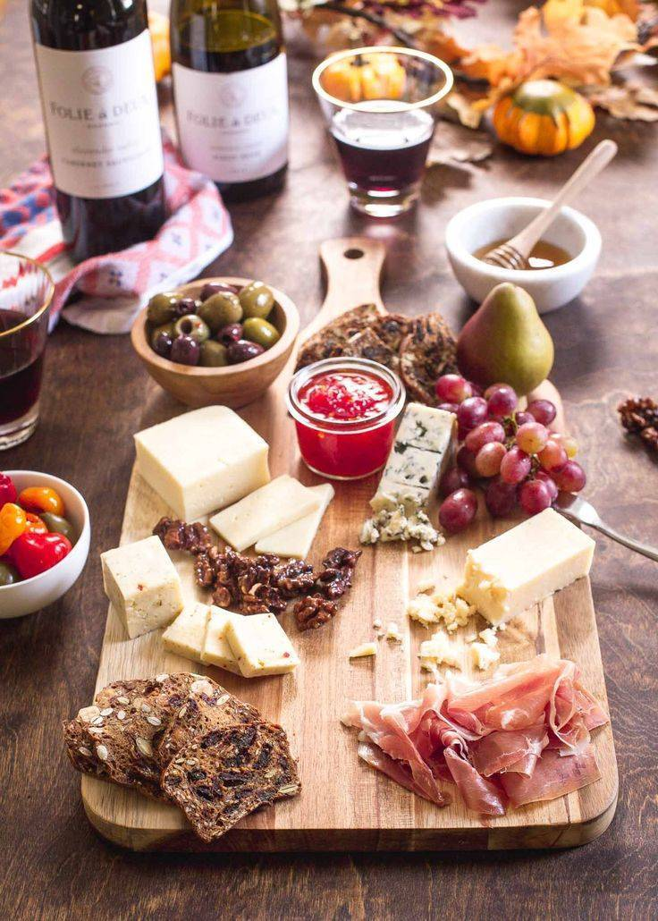 Закуски к вину - для белого и красного: рецепты с фото и видео