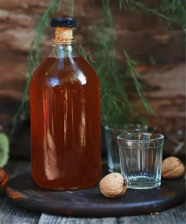 Настойка на кедровых орешках: применение, лечение