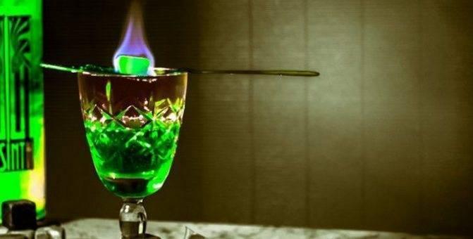 Культура питья абсента: как и с чем правильно пить. что такое абсент? состав, история, производство и крепость абсента