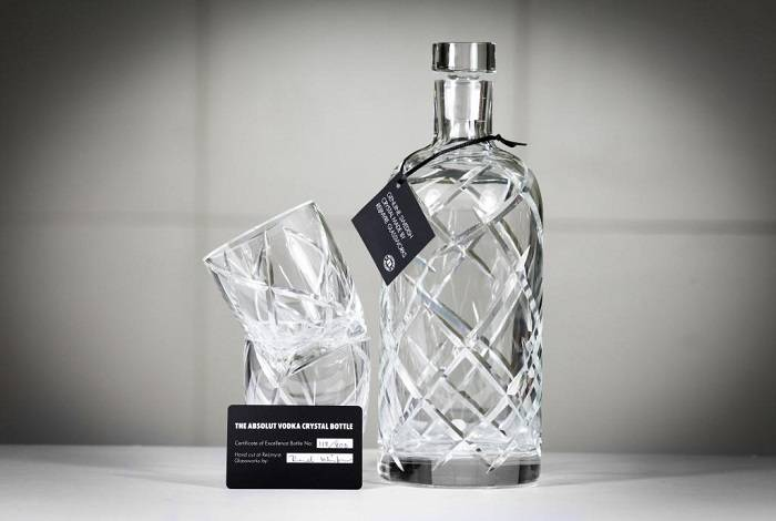 Рейтинг топ 10 — самые дорогие алкогольные напитки в мире.