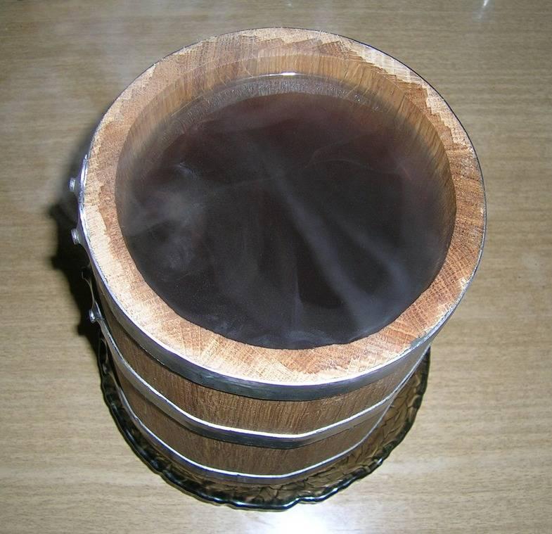Подготовка дубовой бочки для самогона: вощение тары для коньяка перед использованием | mosspravki.ru