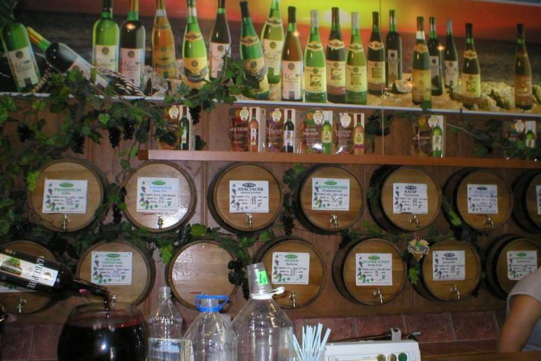 Разливка вина [1991 меринг а. - виноделие плодовое, ягодное, виноградное, медовое]