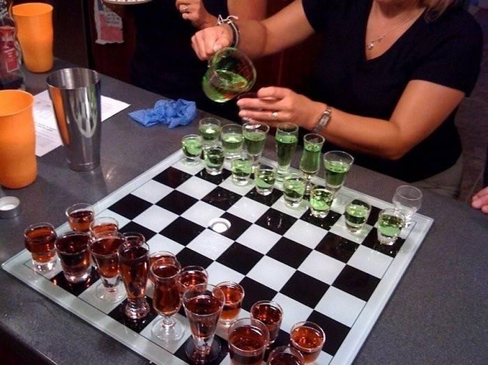 Конкурсы с алкоголем для шумных компаний. как нескучно напиваться: семь алкогольных игр для компаний - электричество