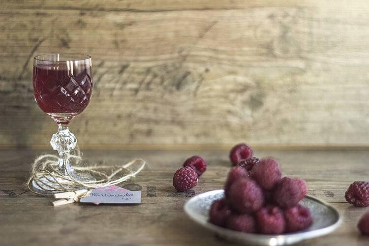 Домашний малиновый ликер по всем канонам – 4 рецепта