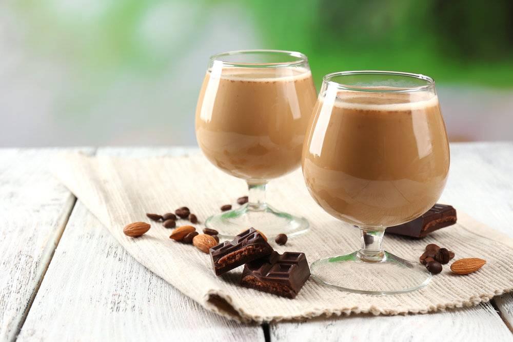 Кофе с ликером: лучшие рецепты приготовления коктейлей в домашних условиях