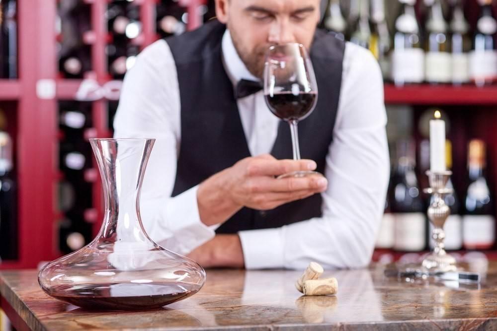 Сомелье - кто это? в чем особенности этой алкогольной профессии, а также обязанности, виды, отличие от кависта