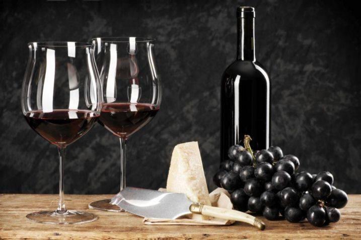 Можно ли делать вино в пластиковой таре из под воды