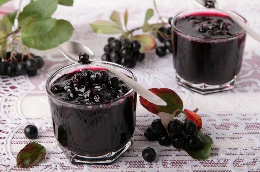 Вино из рябины черноплодной в домашних условиях - 5 простых рецептов с фото пошагово