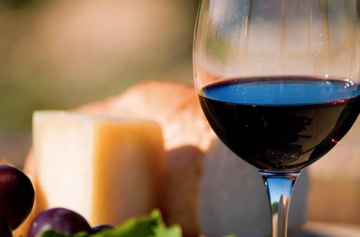 Вино помогает при головной боли