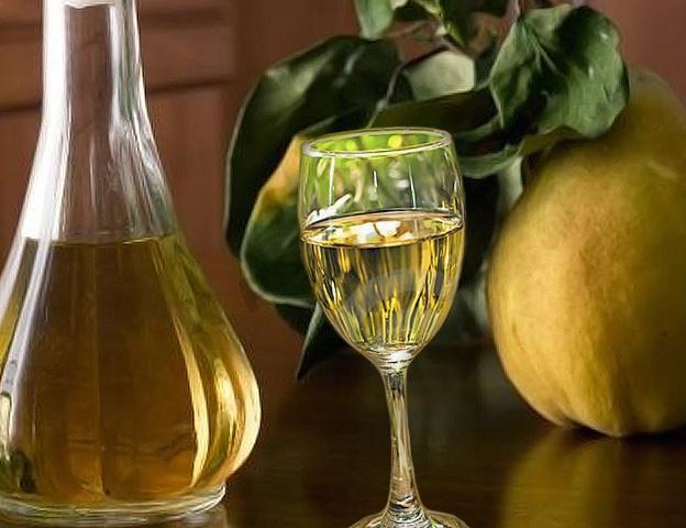 Наливка и ликер из айвы: 10 рецептов в домашних условиях