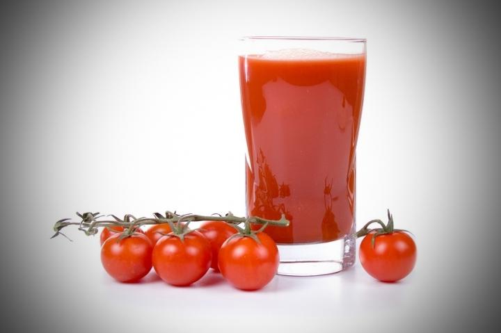 Похмельный коктейль. томатный сок поможет с похмелья