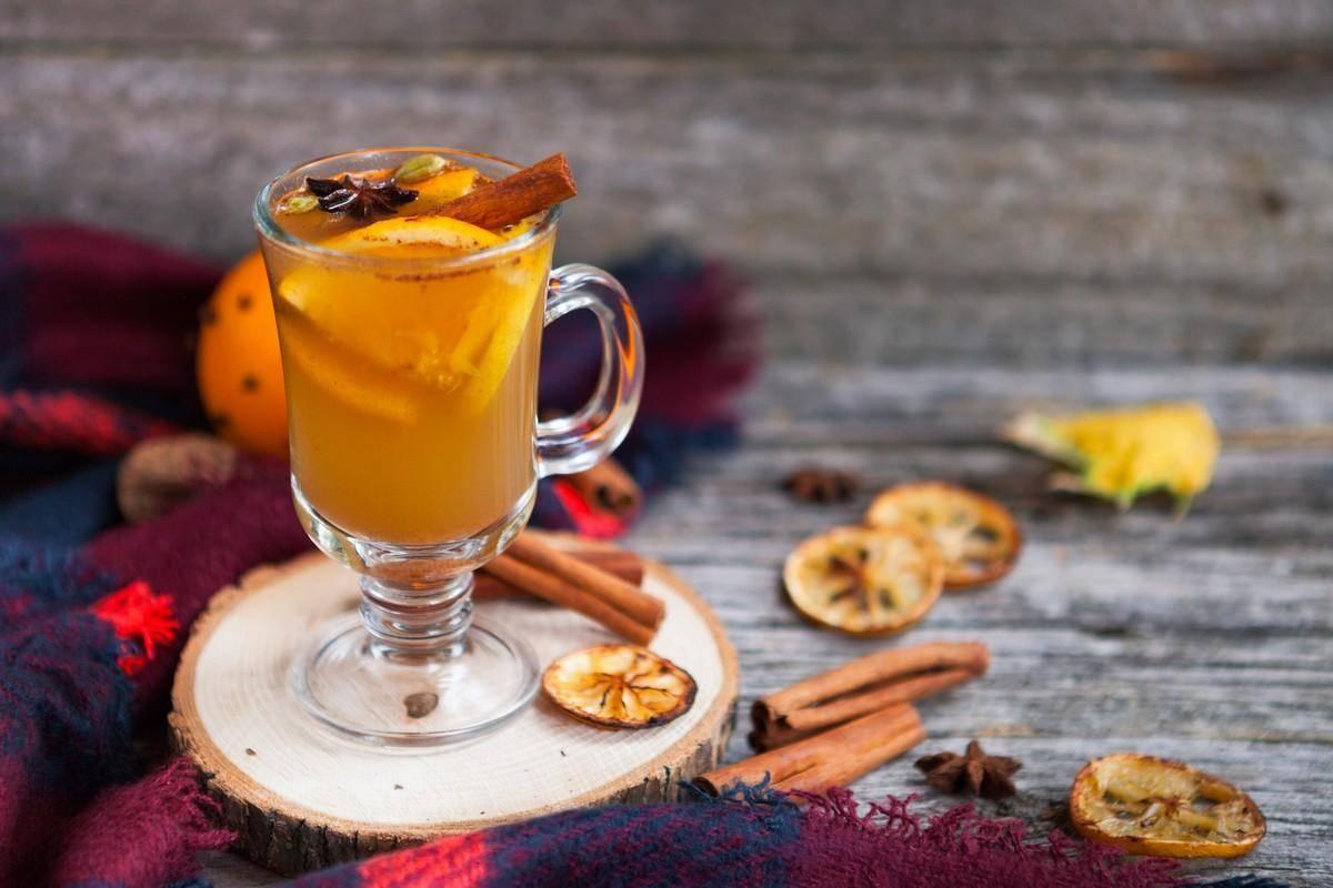 За чаем не скучаем: 10 рецептов горячих напитков, которые ты еще не пробовал!