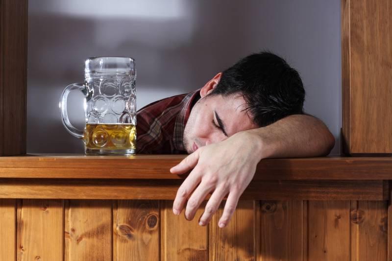 Как заставить алкоголика лечиться – эффективные способы убеждения