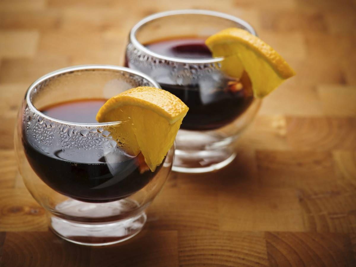 Слушать песни что выпивая чашку чая)))я вдруг пьянею без вина!!! музыка бесплатно