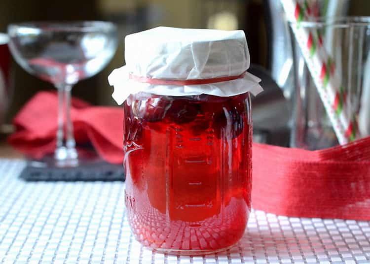 Лучшие рецепты настойки из клюквы на водке и их польза