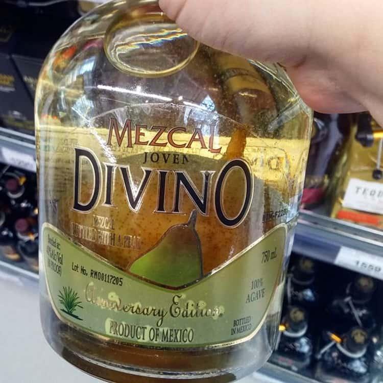 Чем мескаль отличается от текилы, что это за напиток и какие его виды наиболее известны?