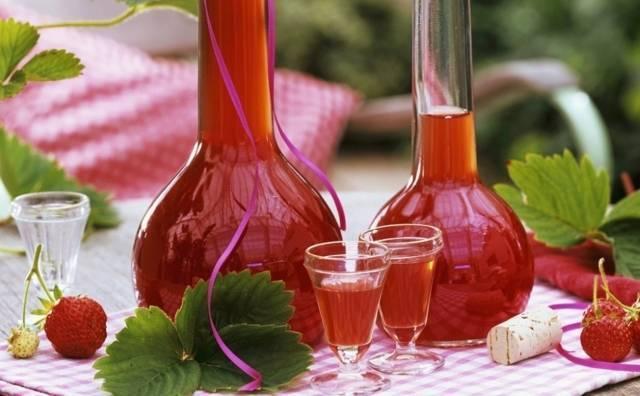 Домашние клубничные наливки, настойки на спирту и на водке, рецепты домашние клубничные наливки, настойки на спирту и на водке, рецепты