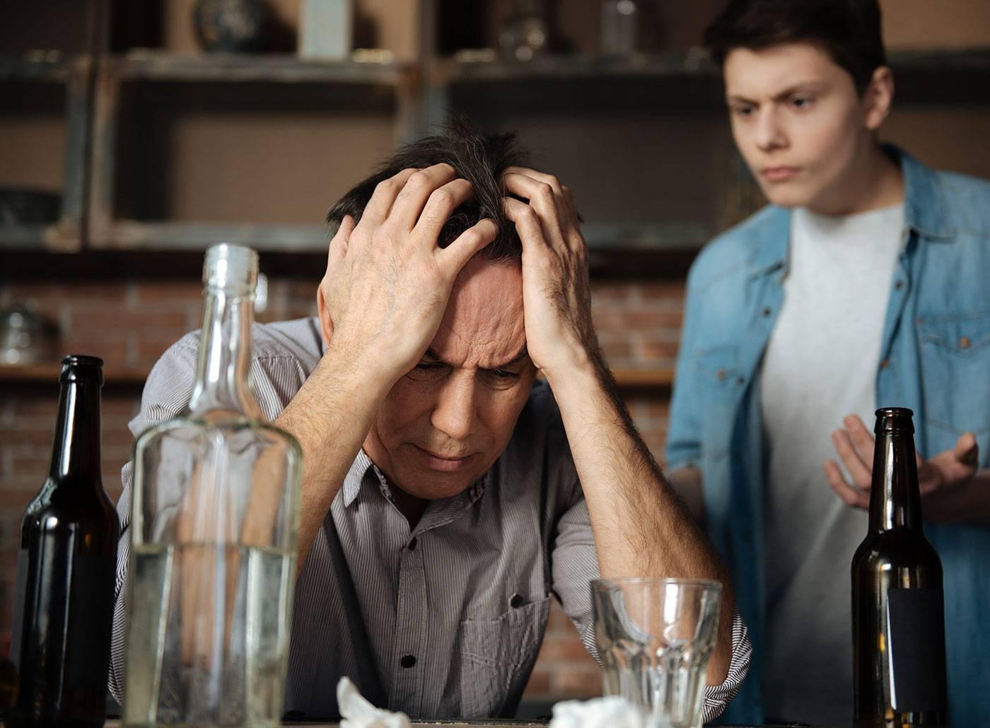 Кто такой алкоголик: латентные и открытые, образ жизни и последствия