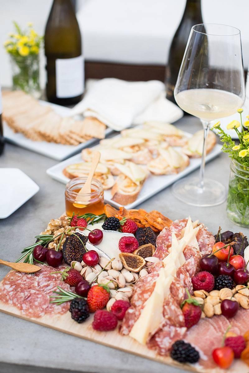 Закуска к красному вину - достойное сопровождение: рецепт с фото и видео