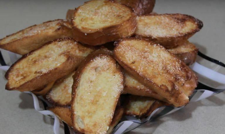 Как вкусно приготовить хрустящие гренки из белого хлеба