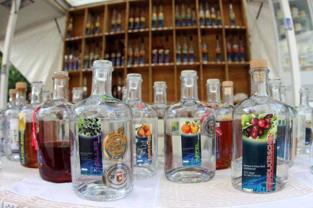Как почистить спирт или самогон в домашних условиях: методы правильного очищения, полезные рекомендации