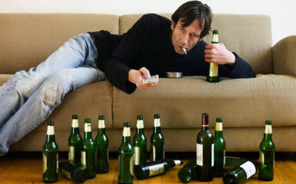 Может ли алкоголик сам бросить пить