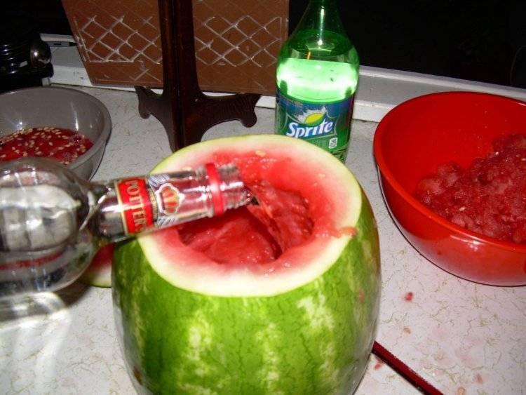 Как называется арбуз с водкой. рецепт настойки из арбуза на водке. коктейль из арбуза с водкой